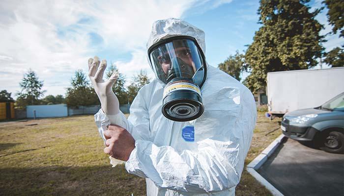 При использовании химических препаратов следует надевать средства индивидуальной защиты