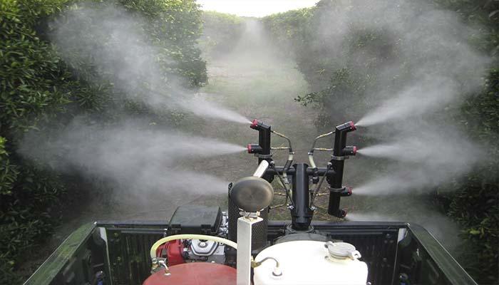 Обработка садовых участков от всевозможных вредителей также может осуществляться при помощи генератора