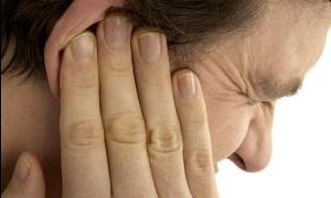 Таракан в ухе: симптомы и способы извлечения паразита